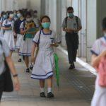 港高中復課首日 學生「和你翻」、靜坐…