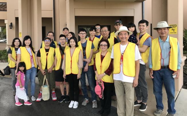 台灣之友會員認養公園,工作後合影。(簡雅嵐提供)