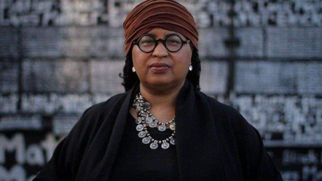 底特律作家瑪莎‧繆希克的社交圈中,至少有30人死於新冠肺炎;因為她無法和別人共同哀悼,於是開始在臉書分享這些逝者的生平與貢獻。(取材自推特)