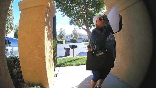 東灣聖利安住52歲的婦人阿雷奇加(Nancy Arechiga)在社區張貼針對少數族裔家庭張貼排外信,要求他們離開美國,最終被捕。(取自臉書)