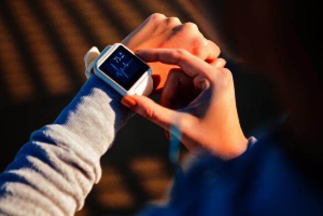 智慧穿戴設備可能成為提早檢測出新冠病毒的工具。(Getty Images)