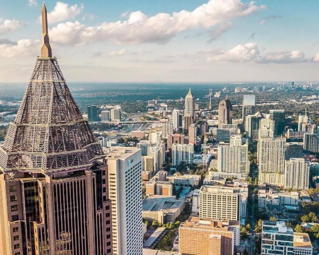 亞特蘭大市長巴頓斯(Keisha Lance Bottoms)周三時表示,該市已進入第二階段重開。(Discover Atlanta臉書)