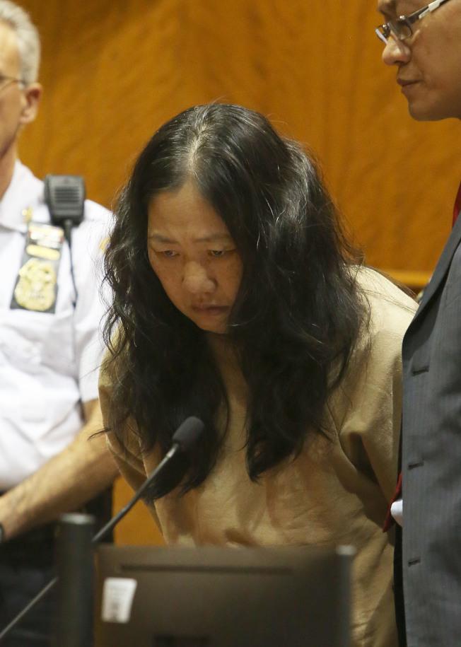 王玉芬被法官裁定,案發時患有精神疾病,免除刑責,轉送精神病院治療。(本報資料照片/法院Pool Photo)