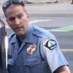 膝壓非裔致死明州警被捕遭控謀殺