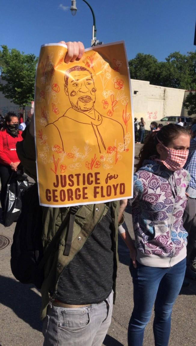 「為佛洛伊德爭取正義」。(陳愛明提供)