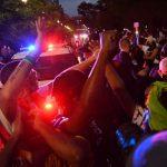 白宮緊急封鎖!示威者湧入白宮旁公園 抗議警察暴力