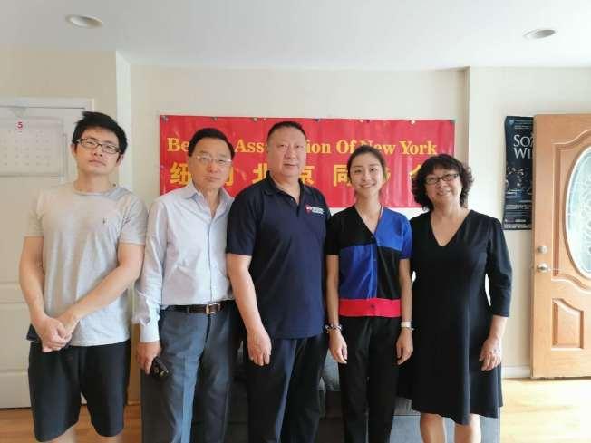紐約北京同鄉會29日為國會眾議員孟昭文背書。(張寶利提供)