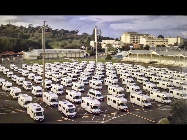 房車公司提供豪華房車組成方艙醫院。