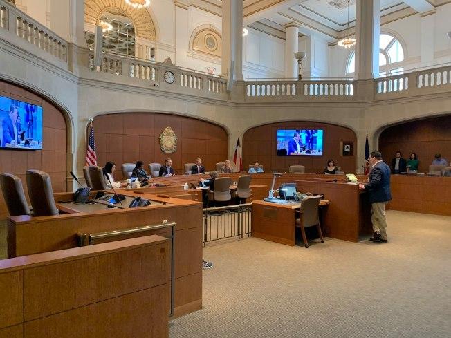 聖安東尼奧市議會打算斥資1億9100萬元進行失業市民再就業訓練、住房與安居、小企業贈款等措施。(市長臉書)