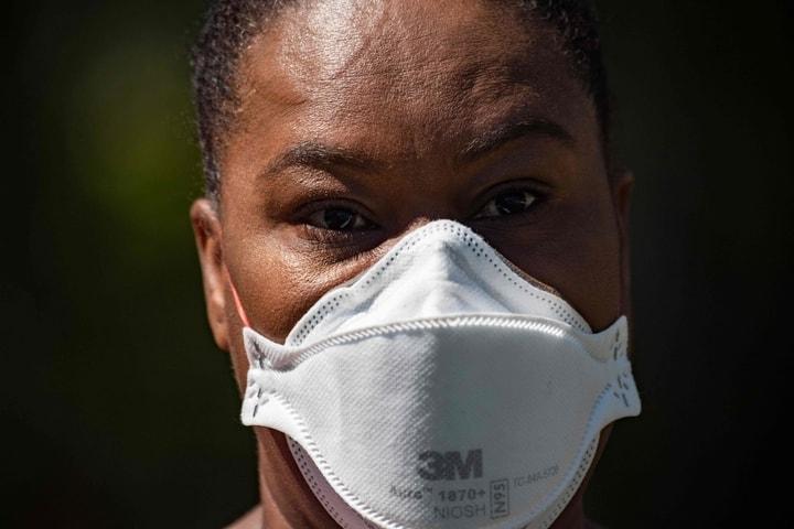 馬里蘭州取消了一筆價值逾1250萬元的防疫物資訂單。圖為馬里蘭州一位護士戴著口罩。(Getty Images)