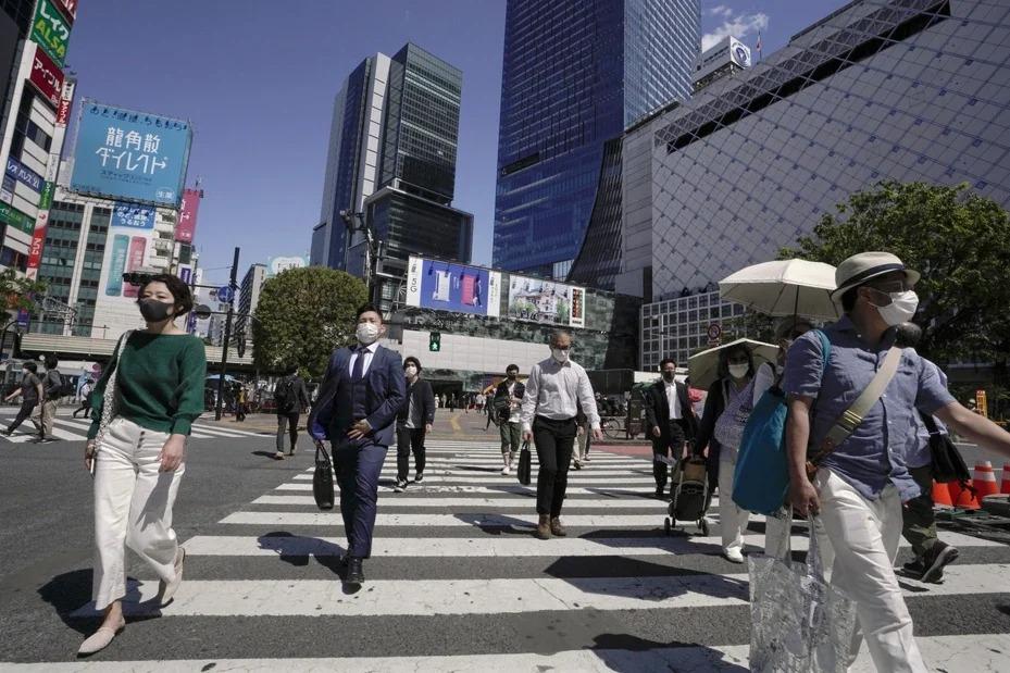 日本2019冠狀病毒疾病疫情延燒,日本網民最近創造新名詞,稱這些自恃正義要求他人或店家「自肅」(自我克制)的魔人為「自肅警察」,成了疫情下的新社會現象。 歐新社