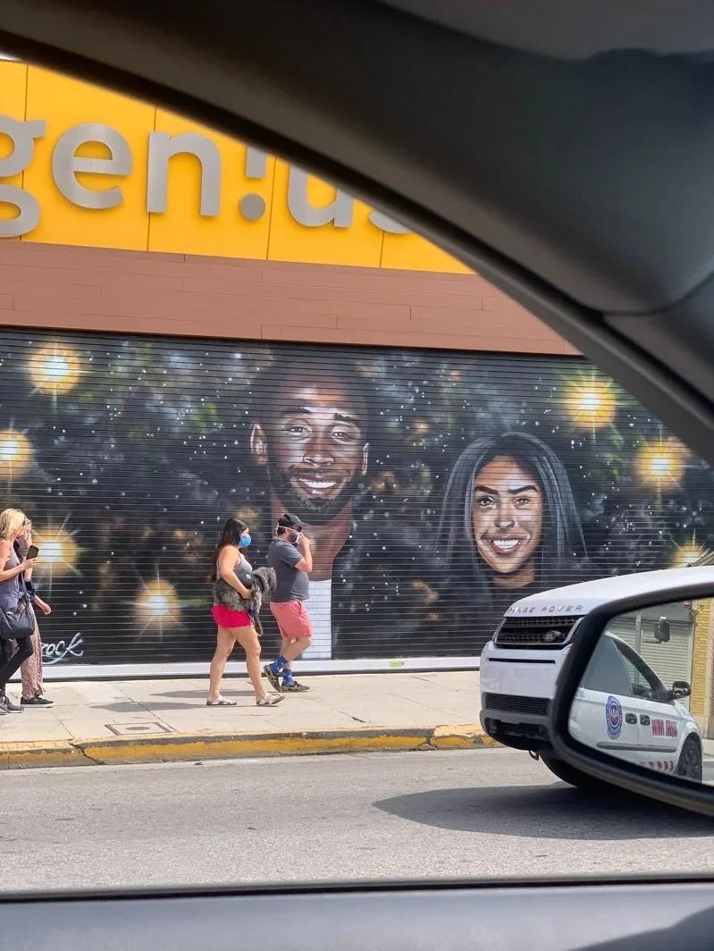 洛杉磯街上的柯比壁畫,沒有受到損害。取材自推特