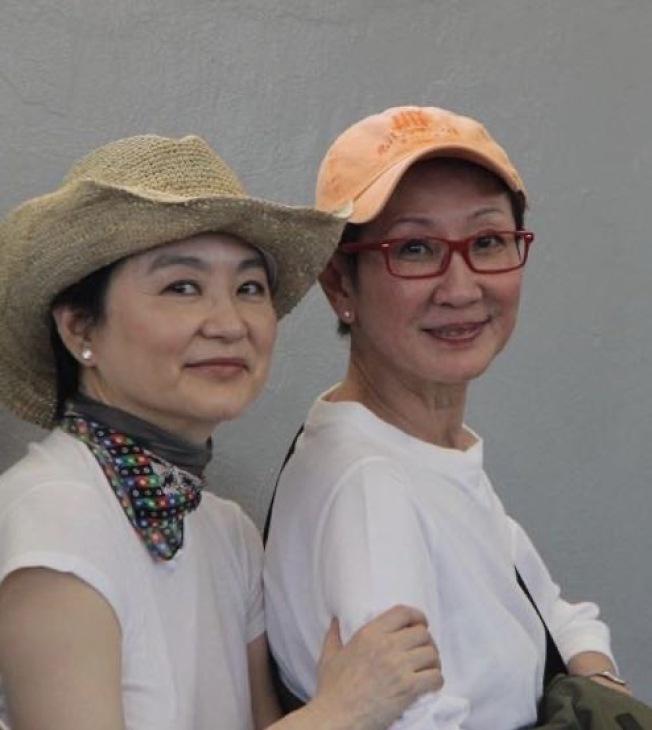 林青霞和施南生(右)相交多年,是彼此知心的閨蜜。(林青霞∕提供)