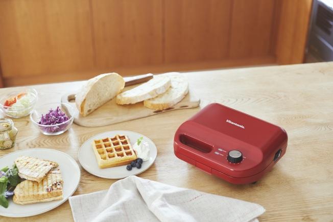 日本小家電品牌Vitantonio是主婦們間口耳相傳的烘焙神器,多達14種烤盤變化。(圖:Vitantonio提供)