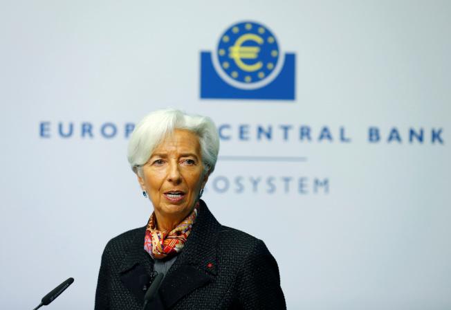 歐元區通膨率降至四年來最低,經濟學家預期,ECB將擴大寬鬆。圖為ECB總裁拉加德。ECB總裁拉加德。(路透)