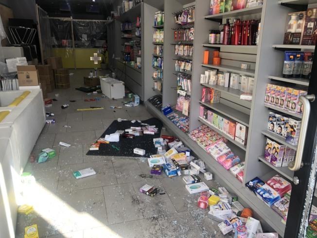 中國街大藥房處方藥被洗劫。(記者張晨/攝影)