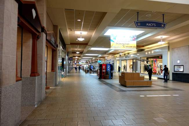 新州6.15進入重啟第二階段,商場可重開。(記者謝哲澍/攝影)