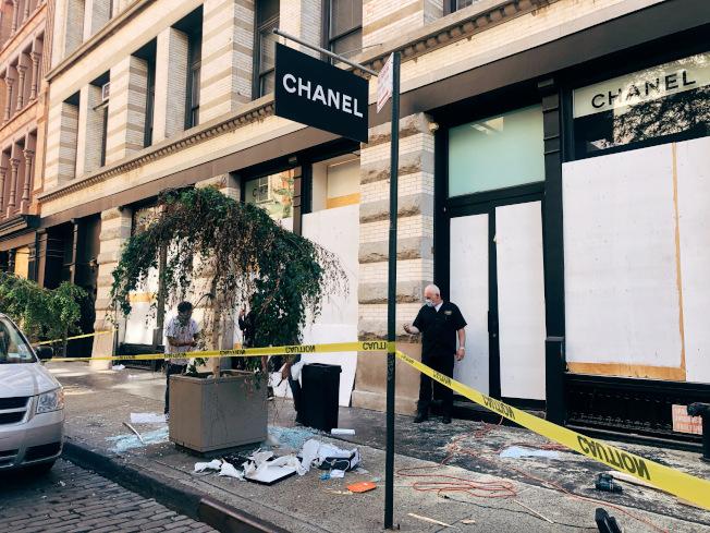 香奈兒門店被砸。(記者張晨/攝影)