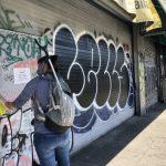 屋崙華埠如鬼城 市民暖心清理示威塗鴉