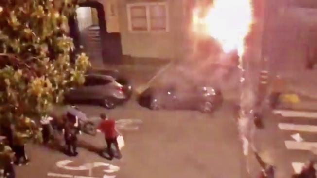 多名示威者涉嫌在市長布里德寓所外發射煙花進行挑釁。(網路視頻截圖)