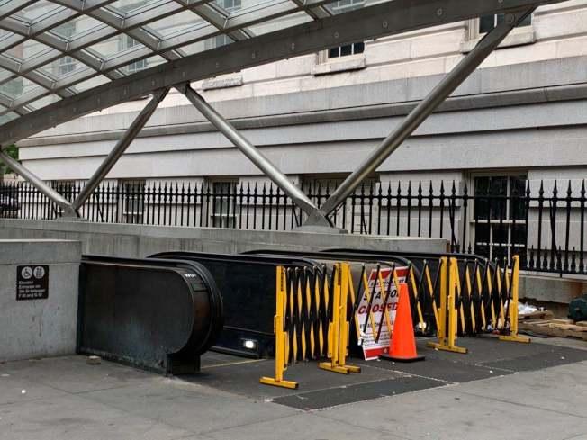 華府1日晚7時開始宵禁,部分地鐵站提前關閉。(記者張筠 / 攝影)