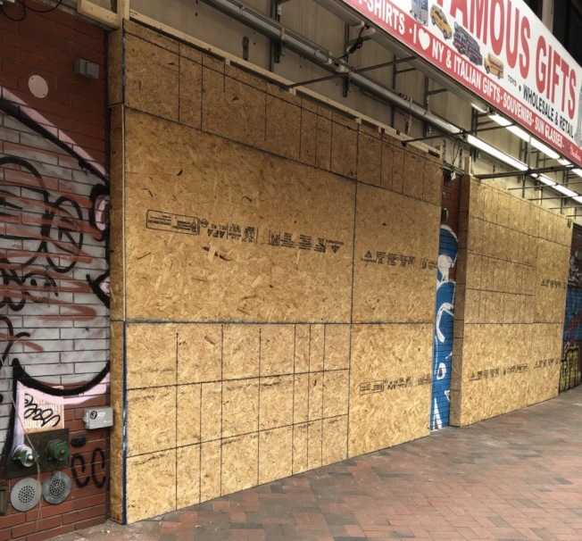 禮品店也直接關門。(讀者提供)