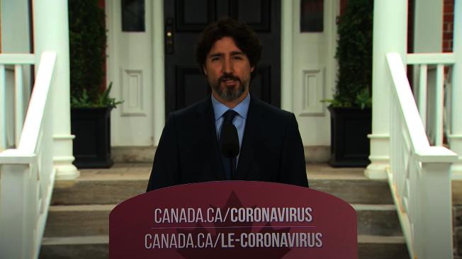 加拿大總理杜魯多想了超過20秒才回答問題。取自YouTube(@CBC News)