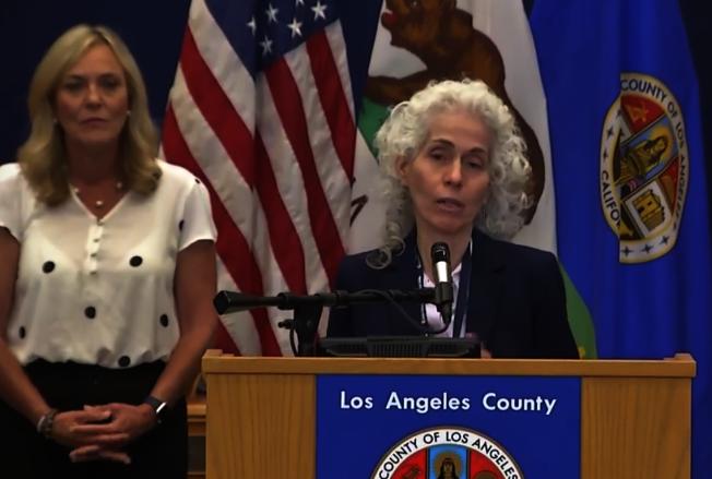 洛杉磯縣公共衛生局局長費若(Barbara Ferrer) 表示,參加遊行的民眾,若與沒遮口鼻的他人近距離接觸超過15分鐘,最好在家自我隔離14天。(本報檔案照)