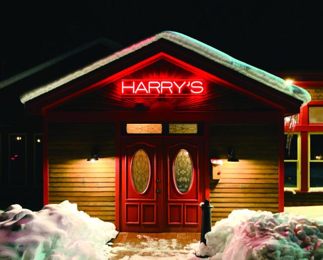 深冬大雪中的哈利餐館。(盧秋瑩.圖片提供)