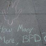 〈圖輯〉水牛城警察推人  75歲示威者倒地出血