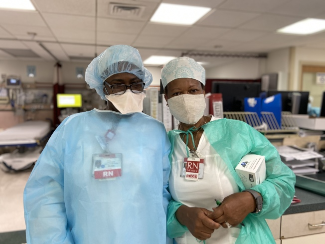 護士佛格森以及護士長蒂森。(記者鄭怡嫣/攝影)