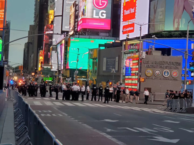 前夜示威市警僅逮捕40人,比前一日下降85%。(記者張晨/攝影)