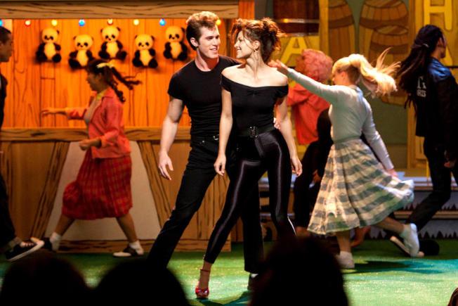 布雷克詹納(左)與梅莉莎班諾伊合作「歡樂合唱團」定情,卻疑似家暴鬧翻。圖/摘自imdb