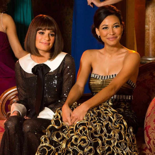 麗亞蜜雪兒(左)與娜雅里維拉鬥得妳死我活,連「歡樂合唱團」觀眾都知道。圖/摘自imdb