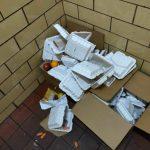 紐約市府徵電召車為居民送餐 餐盒未及時送達遭丟棄