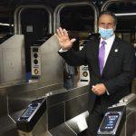 葛謨:紐約地鐵有史以來最乾淨 深夜停運加速MTA修復