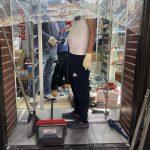 紐約華裔警員華埠阻砸搶 遭非裔暴徒酒瓶暴頭