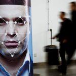 種族歧視幫凶?亞馬遜:暫停美警使用其人臉辨識系統
