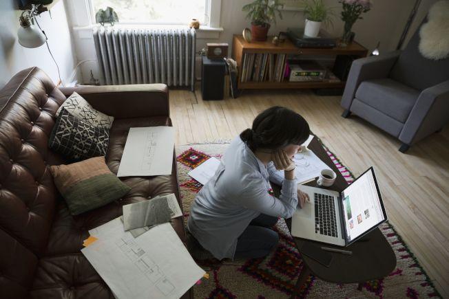 疫情期間「在家上班」該繳哪州所得稅,成為爭議話題。(Getty Images)