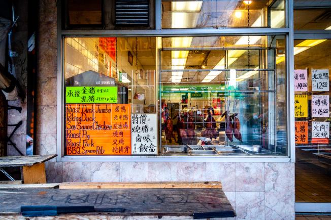 華埠百家餐廳重啓尋生存,商改區推動申請戶外餐位。(記者張晨/攝影)