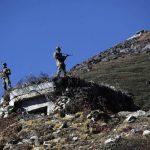 中印邊境血腥6小時 英媒:600人鐵棍石塊混戰墜崖凍死