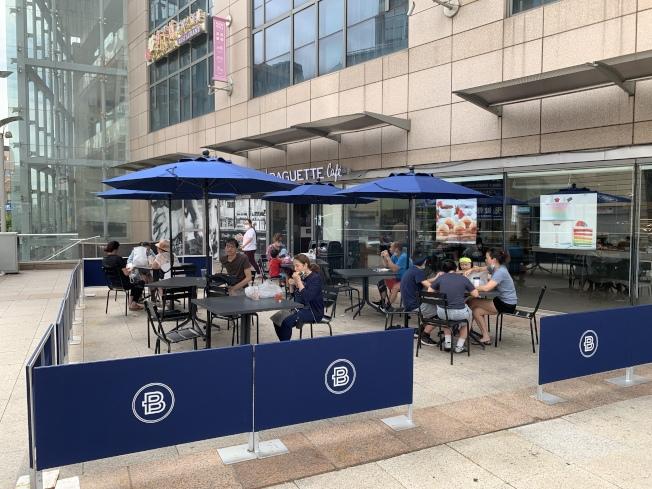 第二階段復工餐館可以戶外營業,但餐桌必須相隔六呎。(記者和釗宇/攝影)