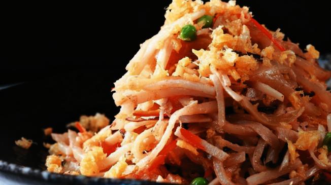 榨菜、泡菜、醃蘿蔔等醃漬蔬菜,配菜配麵都好吃,但是當心票白劑和防腐劑超標。(本報資料照片)