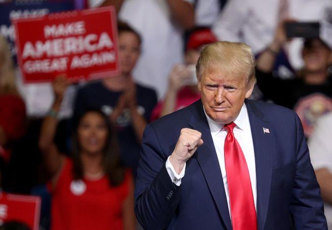 川普總統20日晚上在共和黨票倉奧克拉荷馬州土耳沙(Tulsa)舉行造勢大會,這是川普總統在新冠疫情爆發以來的首次大型集會。(Getty Images)