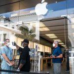 蘋果店「開了又關」 反映疫情進入新危險階段