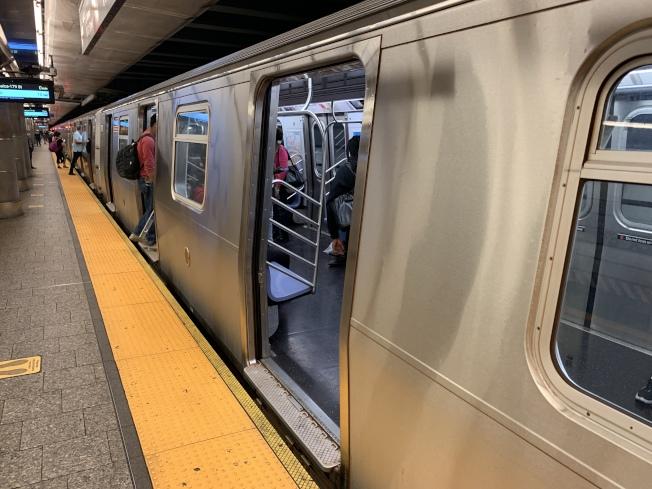 數據顯示,截至6月18日,地鐵乘坐人次比6月4日增長29%。