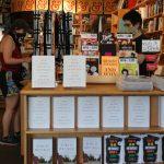 今上市!波頓新書熱賣 讀者:川普政策一團糟令人不安