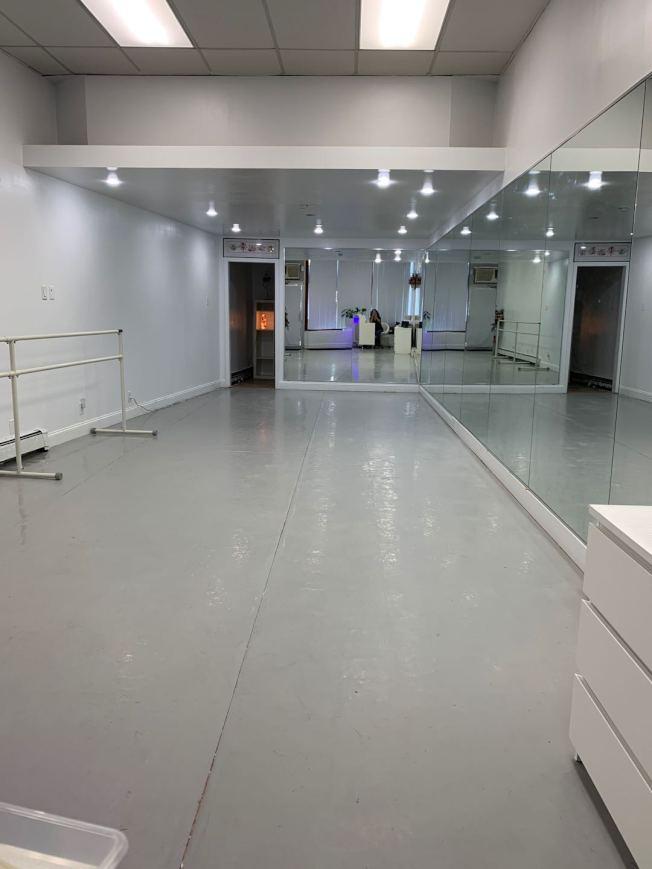 于婭娜花費6萬元重新裝修大頸的舞蹈教室。(于婭娜提供)