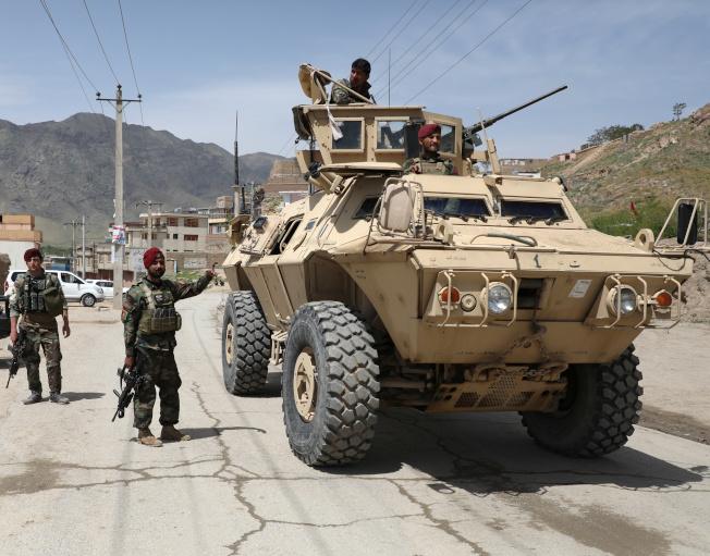 阿富汗國民軍駐守喀布爾。路透