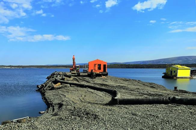 諾里爾斯克鎳公司上月才爆漏油事件,這次又傳出將廢水排入北極苔原。(Getty Images)